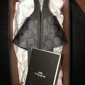 41c895b2034e Coach Shoes - Men s Coach slides (size 9.5)  perfect condition